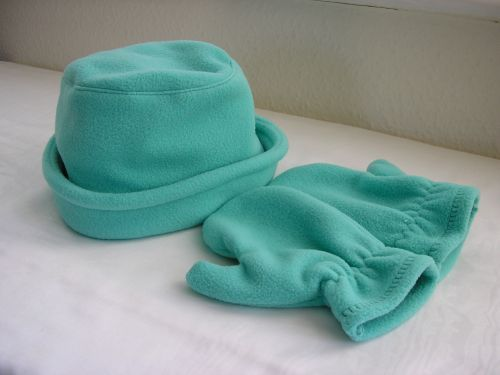 Girls Aqua Fleece Hat Mitts Age 3-4 yrs from Jacaranda  £8.99