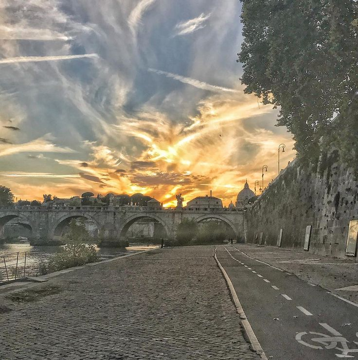 #tramonto #autunno #nuvole #roma #rome #lungotevere #sunset #clouds #sky #cielo
