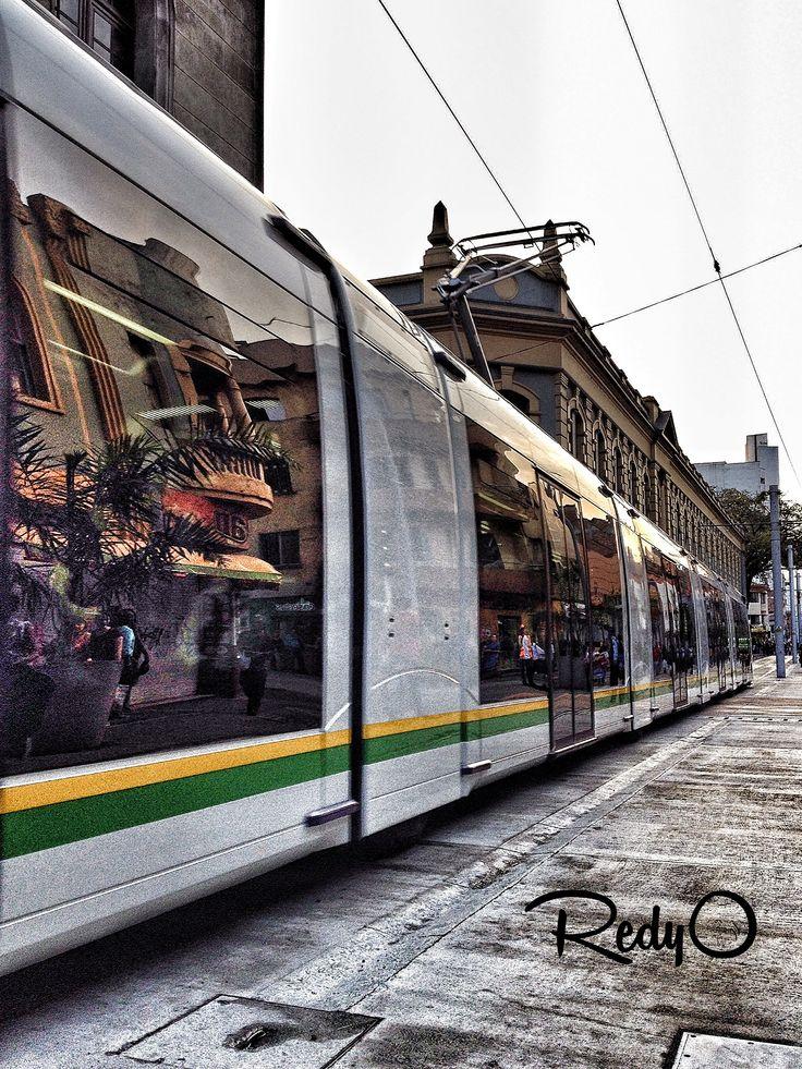 Reflejos Tranvía Ayacucho Medellín