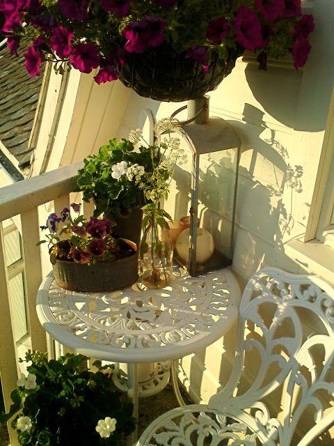 Brunt Sukker: ADGANG FORBUDT ! Oppe på balkongern  utfor soverom...
