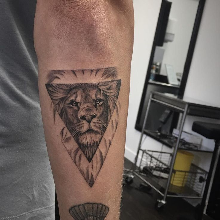 11 Best Best Leo Tattoo Designs Images On Pinterest: Best 25+ Tattoo Leon Ideas On Pinterest