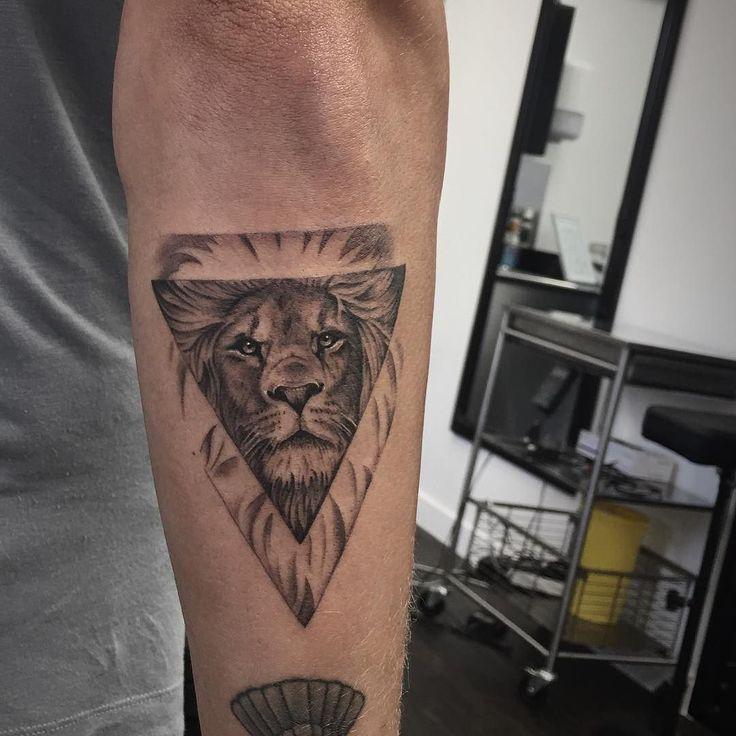 #lion #tattoo on @proudlock #mattroetattoo