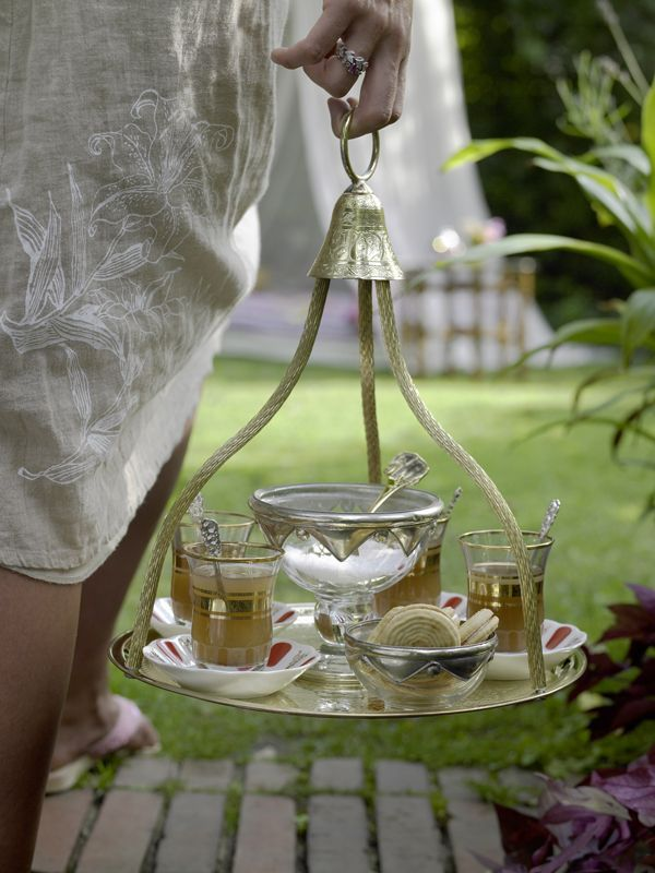 Classy  tea service...just what you need...afternoon tea!