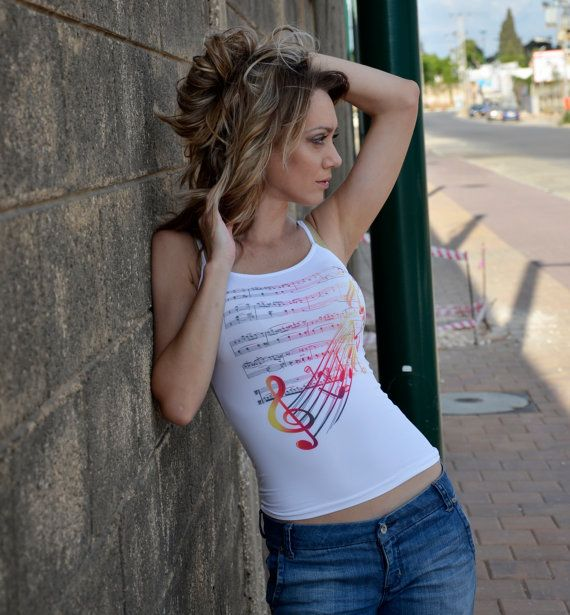 Articles similaires à Notes de musique débardeur / Clef de musique chorale d'impression / débardeur blanc féminin Top singulet chemises sans manches femmes T-Shirt sur Etsy