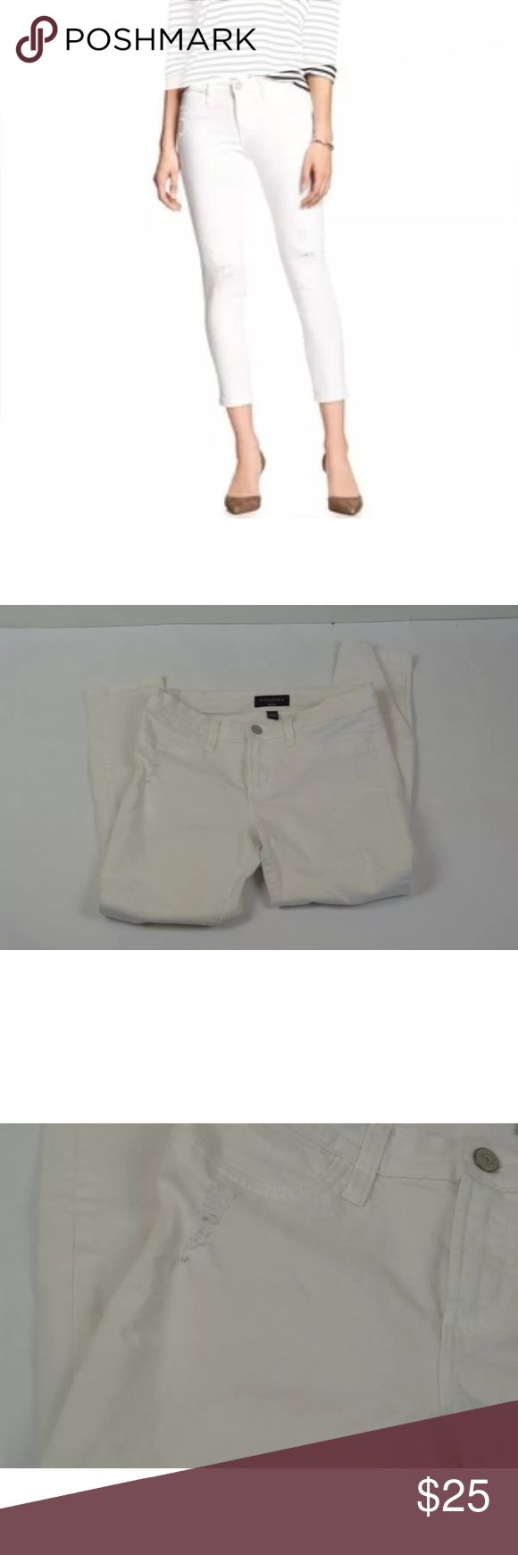 """Banana Republic Distressed Legging Jeans Cropped Banana Republic White Distressed Legging Jeans Cropped Size 8  Excellent pre-owned condition  92% cotton, 6% poly and 2% spandex  8"""" rise  15"""" across the waist  25"""" inseam Distressed Legging Jeans Cropped Size 8  Excellent pre-owned condition  92% cotton, 6% poly and 2% spandex  8"""" rise  15"""" across the waist  25"""" inseam Banana Republic Jeans Ankle & Cropped"""