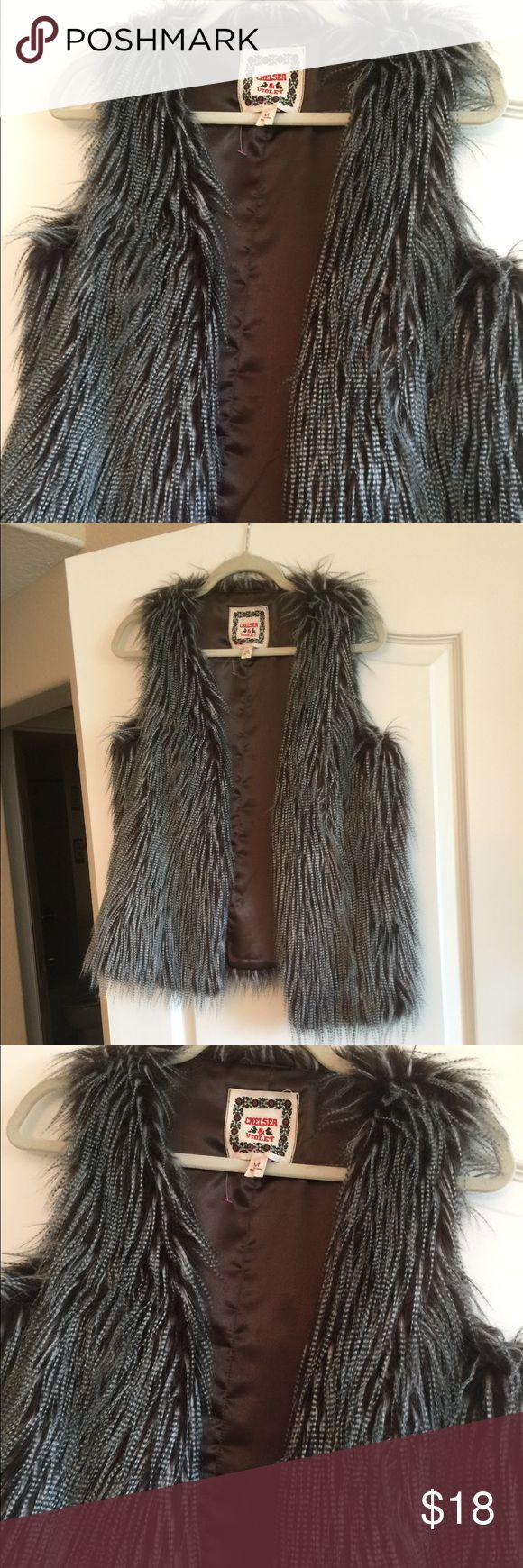 Chelsea & Violet Faux Fur Vest Worn Once Smoke Free Home ❌ Fast Shipping 💨 Open to Reasonable Offers Chelsea & Violet Jackets & Coats Vests