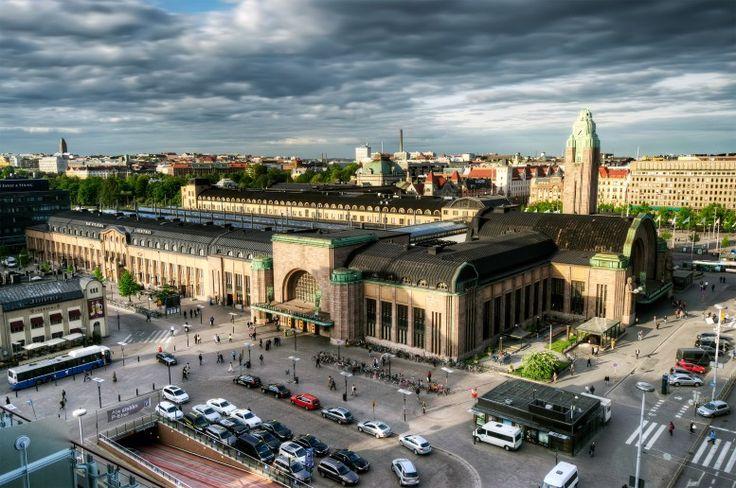 Helsingin rautatiesasema.  Helsinki railway station.
