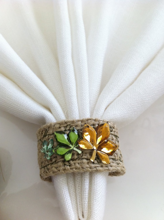 Thanksgiving Burlap Napkin Rings by LollysCubbyhole $10.99/set of 4