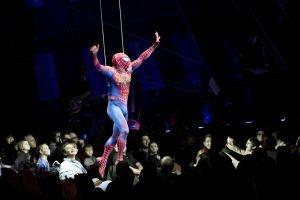 Teatrets scenografi er blevet vildere
