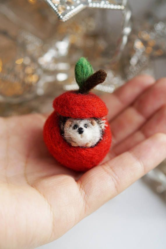 Tiny Hedgehog In An Apple Hedgehog Craft Crafts Felting Projects