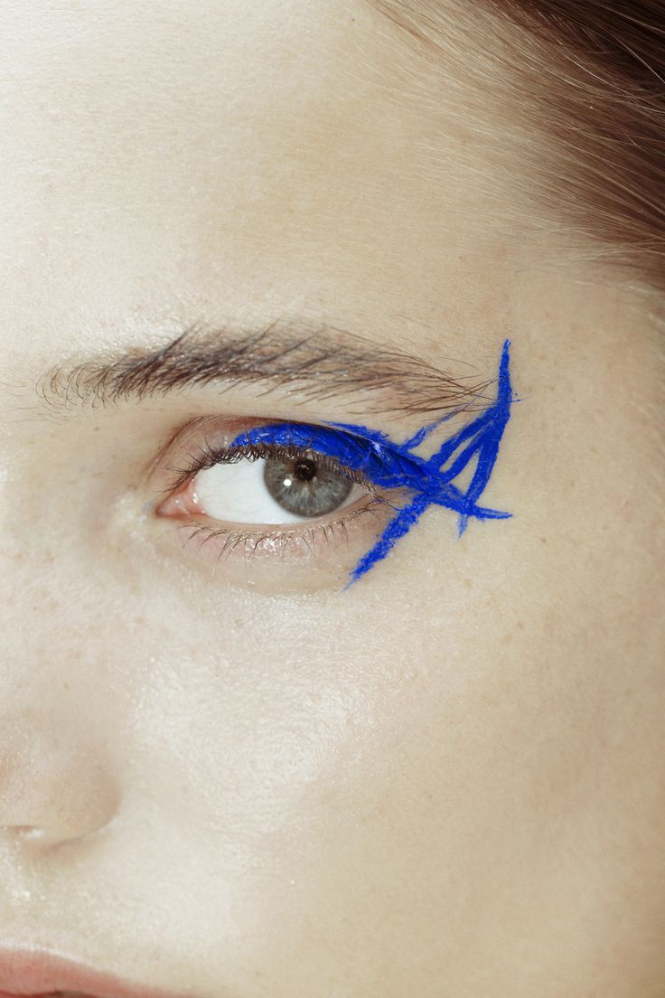 Abstract blue eyeliner    @bingbangnyc