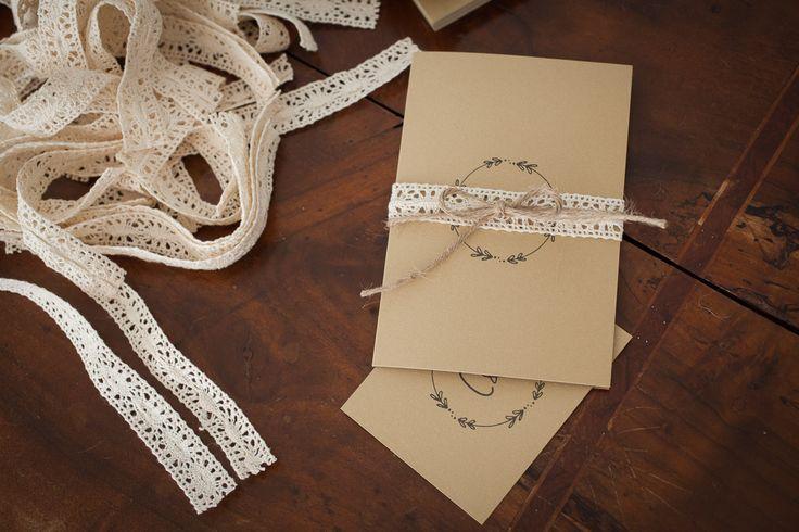 partecipazioni matrimonio carta kraft - wedding typography