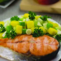 #pranz dietetic și sățios la 200 Cal #Somon cu salsa de mango