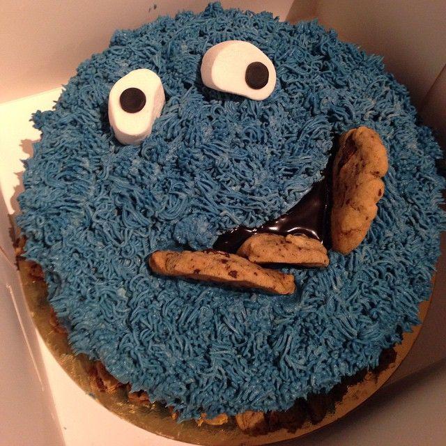 Cookie Monster #cake #tårta #hembakat #cookiemonster #cookie #chocolatechipcookie #chocolatechip #kaka #yummy #snack #efterrätt #dessert #fika #mums #nomnom #heaven #gift #sweet #sweettooth #göteborg #linné #gbgftw #cute #barn #favorit #barnkalas #fest #party #barnkalas #wiltoncakes #baklycka