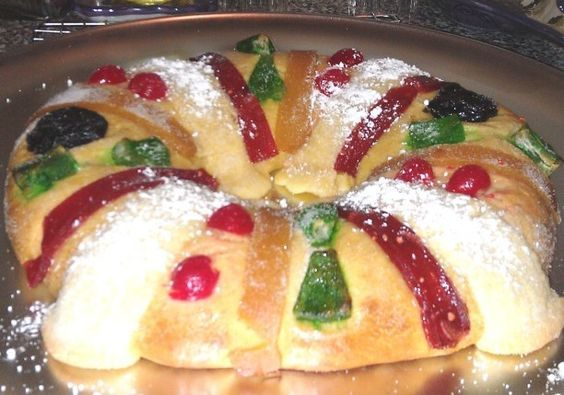 Mexican tradition Rosca de Reyes,Three Kings Bread Recipe, Receta de Rosca de Reyes