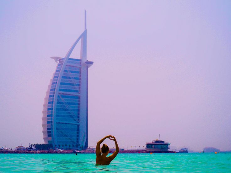 Burj Al Arab is a landmark of Dubai. It's the third tallest hotel in the world It was designed to look like a sail of a ship ⛵️ You can see it perfectly from Jumeirah beach which is nerbay. Do you like the idea of this hotel?  #dubai #unitedarabemirates #burjkhalifa #hotel #jumeirahbeach #TravelingOurPlanet #lpfanphoto #30xthirty #iamtb #darlingescapes#thetravelguide #worldtravelguide #travelingsnaps #WeAreTravelGirls #beautifulhotels #architecture #travelphotography #travelblogger…