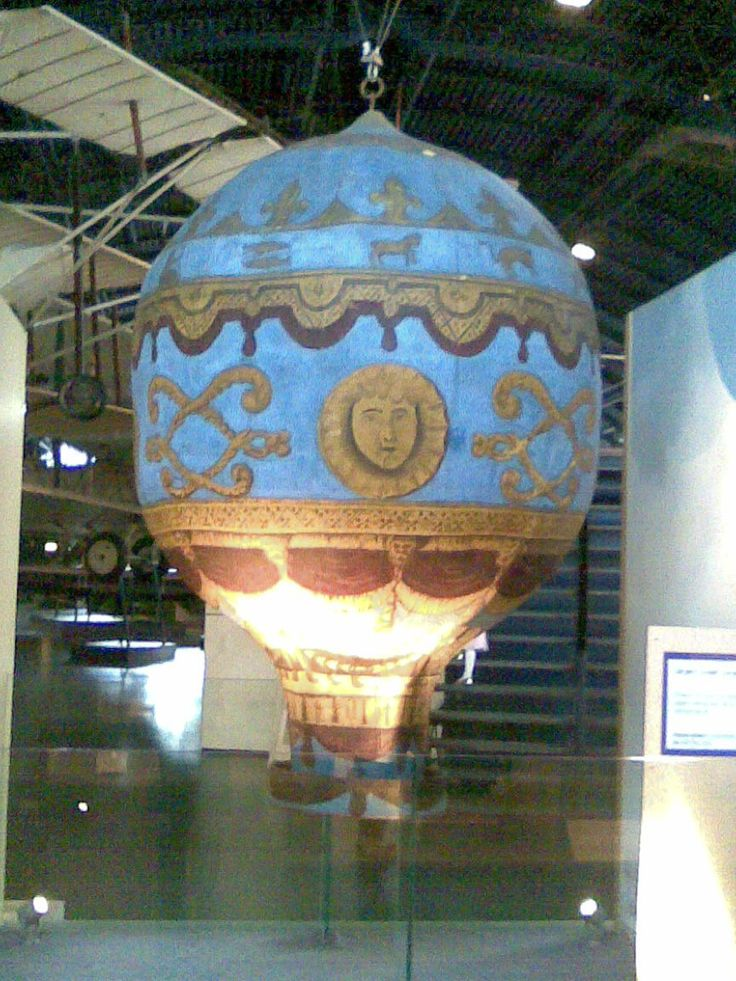 Model of the Montgolfier Brothers balloon.