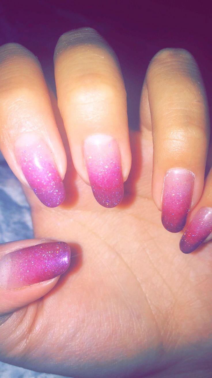 Pink ombre, nails.