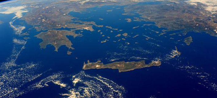 Δύο νέες υπέροχες φωτογραφίες της Ελλάδας, αλλά και της Τουρκίας, έδωσε στη δημοσιότητα η NASA για το πώς διακρίνονται οι δύο χώρες από τον Διεθνή Διαστημικό Σταθμό.