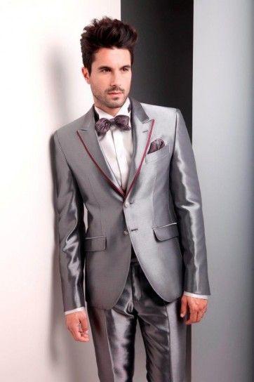 Abito grigio lucido con profili bordeaux sui revers #abitosposo2015