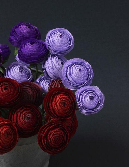 A gorgeous handmade paper-ranunculus bouquet would wow as a centerpiece — or stun as a hostess gift. #DIY