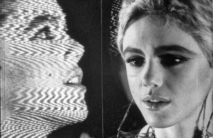 Кадр из фильма «Космос», режиссер Энди Уорхол, 1965  «Девушка фабричная»: за что мы любим Эди Седжвик  В день рождения музы Энди Уорхола и Боба Дилана вспоминаем, как она стала иконой стиля 1960-х