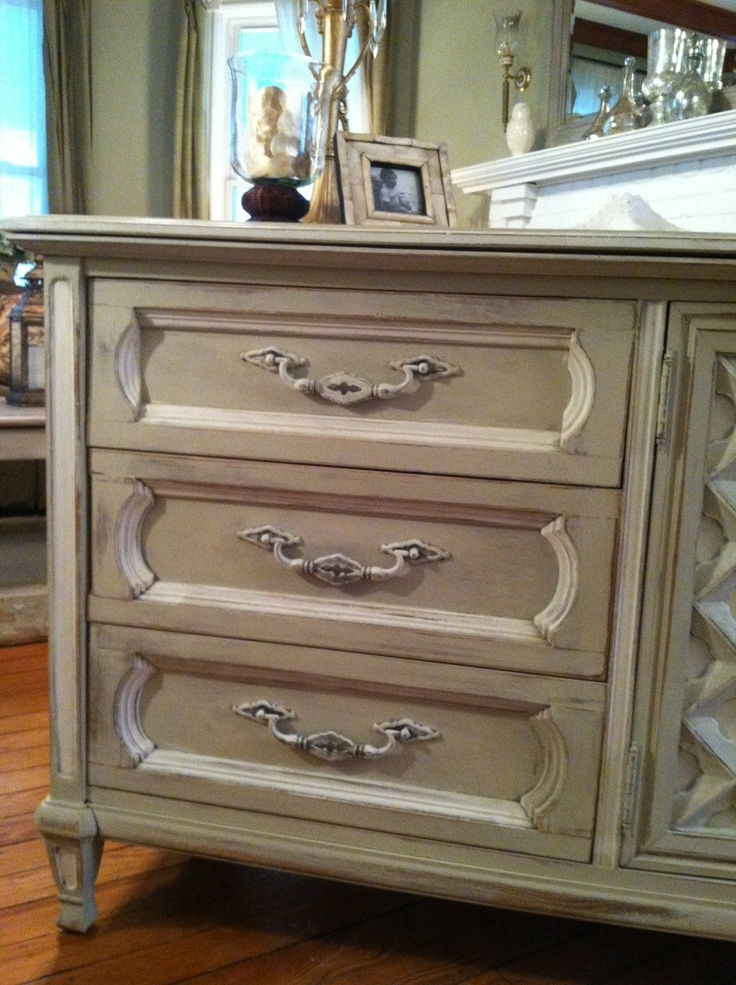 Country Gray and Old White...: Furniture Revamp