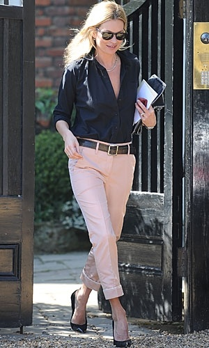 Casual pastel chicPink Pants, Pastel Pink, Pale Pink, Hair Makeup, Peaches Pants, Katemoss, Work Outfit, Kate Moss, Spring Style