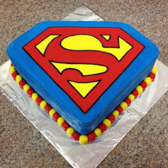 Superman cake @Rebecca Dezuanni Gardner Cannon- I like how simple and bright this one is-