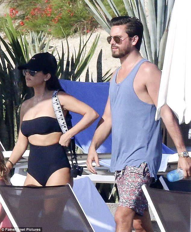 What's happening? The 37-year-old reality star and her 33-year-old former beau were spotted again enjoying their romantic getaway in Los Cabos