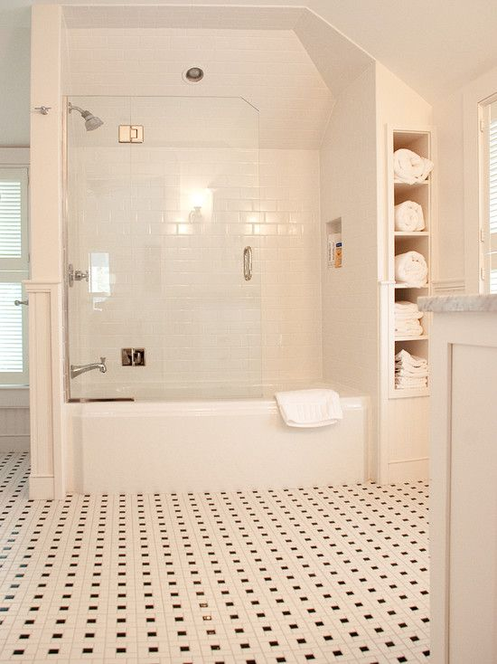 Traditional Spaces Small Bathroom Storage Design, Pictures, Remodel, Decor and Ideas - page 5