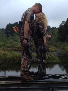 A couple that hunts together stays together - I wanna do a picture like this!!