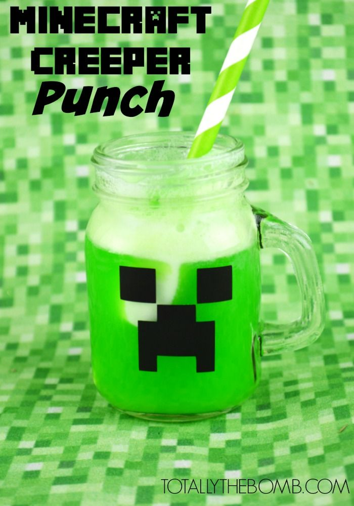 Minecraft Creeper Punch, op een glas met zwarte stickers of tape, en er dan groene limonade in