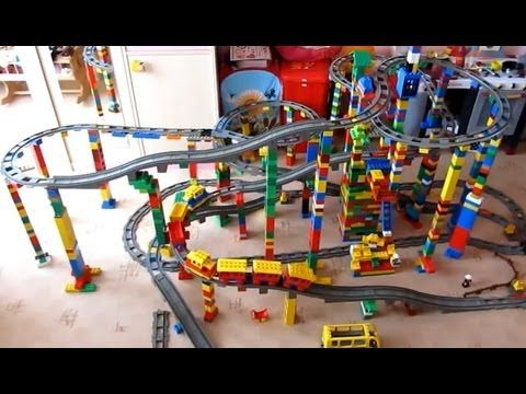 ▶ LEGO DUPLO TRAIN on MEGA circuit - Super Buildings Lego City! - YouTube