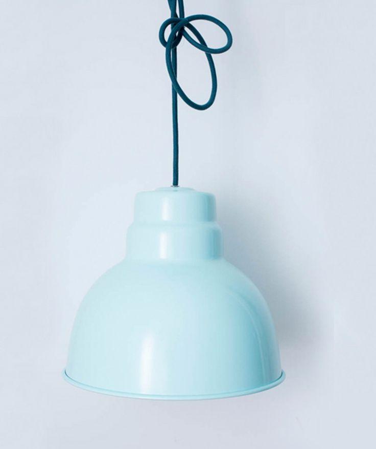 Campana Grande Menta - Lámpara de techo en aluminio. $190.000 COP (Envío gratis). Cómprala aquí--> https://www.dekosas.com/productos/decoracion-hogar-vida-util-lampara-campana-grande-menta-detalle