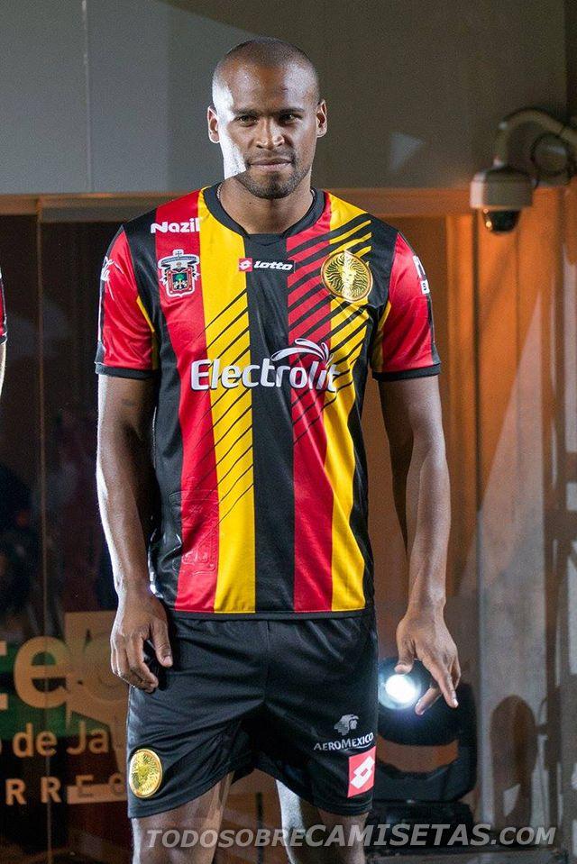 http://todosobrecamisetas.com/2015/07/jerseys-lotto-de-leones-negros-de-la-udg-1516/