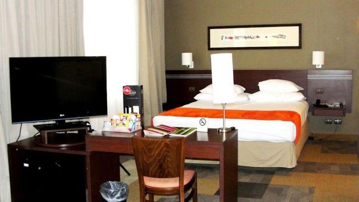 Hotel Atton el Bosque, ubicado en el Barrio el Golf, Las Condes Santiago - Chile