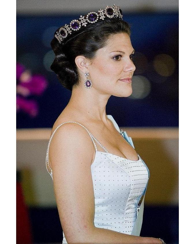 """73 gilla-markeringar, 3 kommentarer - Swedish Royal Family (@svenskakungligt) på Instagram: """"Crown Princess Victoria of Sweden"""""""
