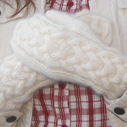 Free! - Ravelry: KANELI mittens pattern by Marianne Heikkinen - perhaps to replace frogged grey mittens.
