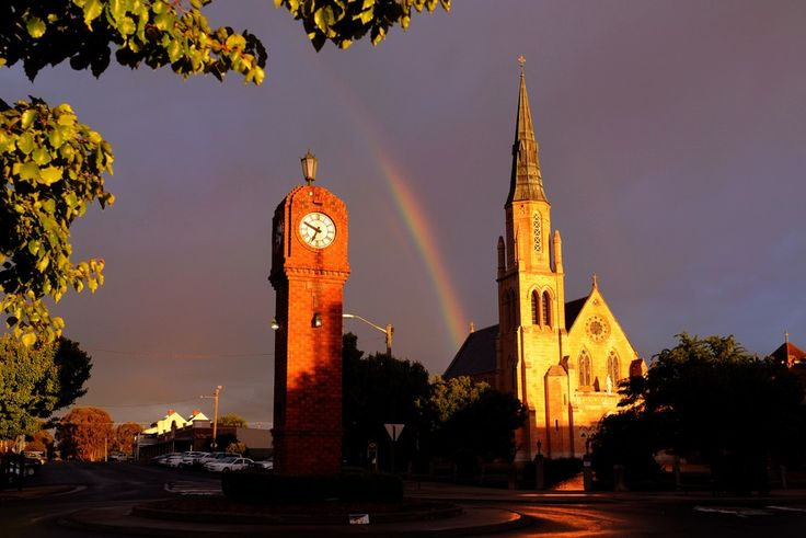 Mudgee town clock and St. Mary's church, Mudgee. Photo by Amber Hooper.