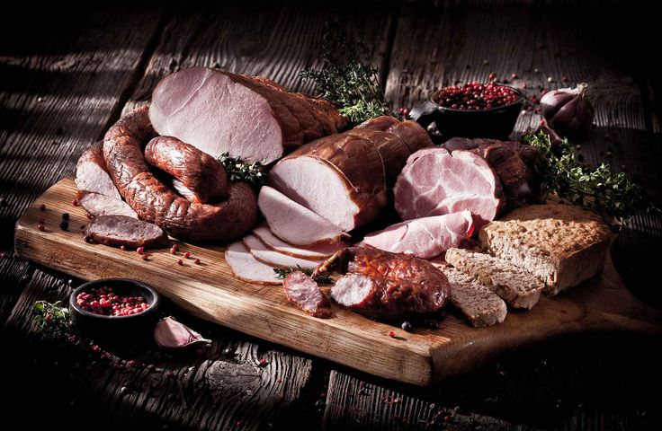 Tesco kusi smakiem wędlin przyrządzonych według tradycyjnych i regionalnych receptur :) Skosztuj już dziś :) http://www.promocyjni.pl/blog/zobacz/7219-w-strone-tradycji-czyli-o-nowej-kampanii-tesco