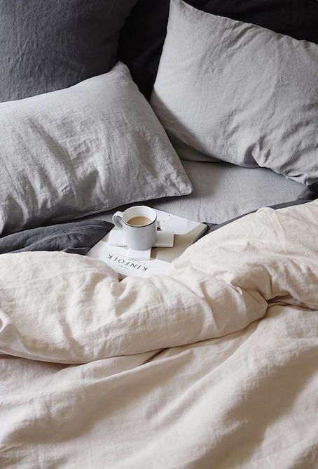 Neutral bed linens for a casual and light bedroom