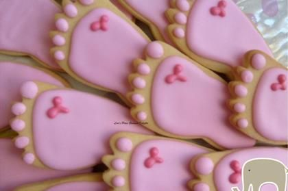 cute baby shower ideas. Cookies shaped like feet