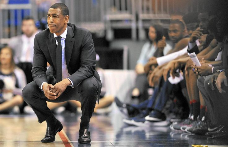 UConn Basketball 2016-17: Kevin Ollie Picks Brains Of Many To Formulate His Strategy