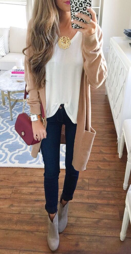 White loose t-shirt / beige cardigan / gold statement necklace ~ Have dark blue jeans / grey booties