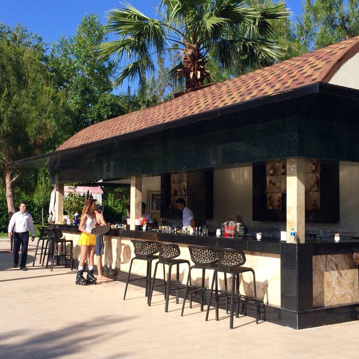Reconstructed Pool Bar and roller-skates service in Avantgarde Hotel & Resort.  Реконструированный Бар у бассейна и обслуживание на роликовых коньках в Avantgarde Hotel & Resort.