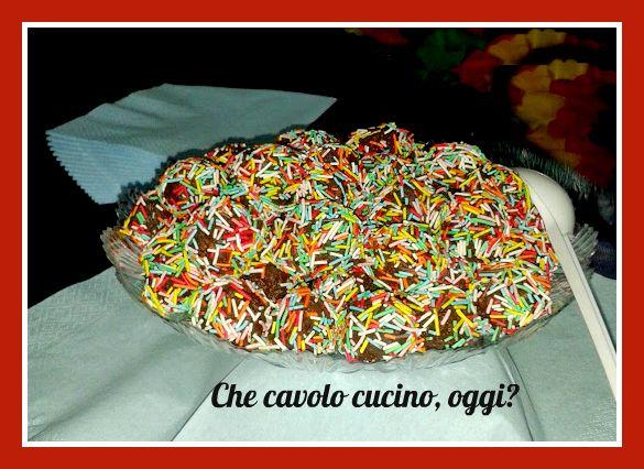 Anche nella vostra scatola di biscotti ci sono tanti pezzetti sbriciolati che nessuno vuole?