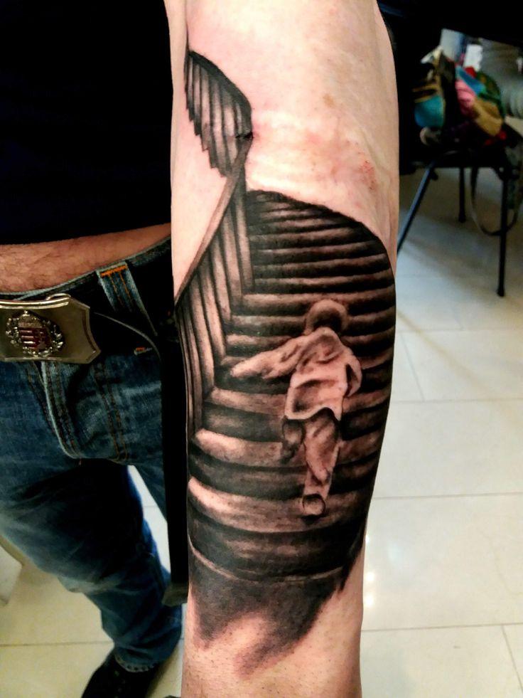 lépcső tetoválás alkarra