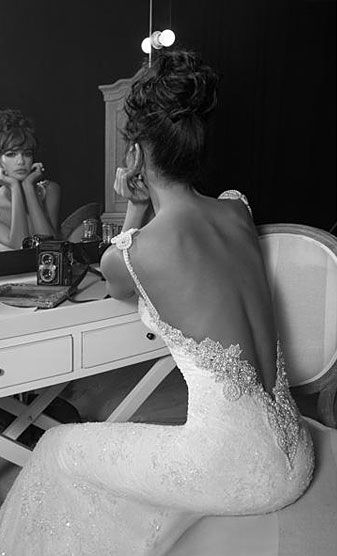 wedding dress - this is one of the wedding dresses i love - backless
