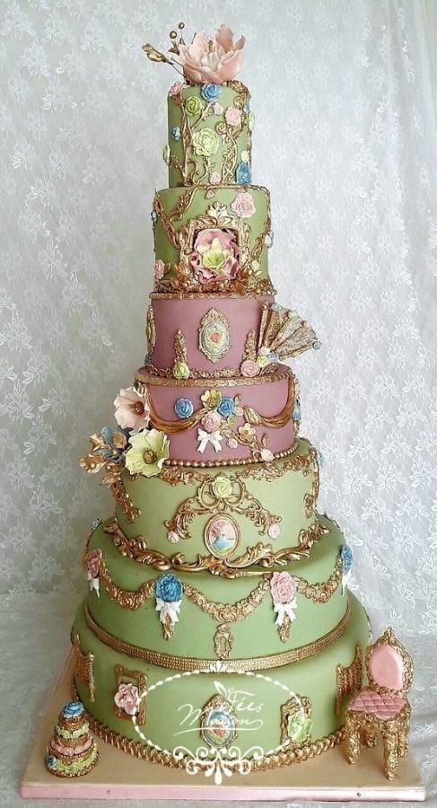 Marie Antoinette Wedding Cake by Fées Maison (AHMADI) - http://cakesdecor.com/cakes/279669-marie-antoinette-wedding-cake